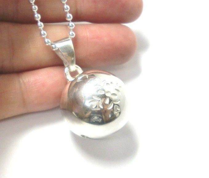 手作りシルバーアクセサリー/花の刻印模様の銀の鈴のペンダントトップ