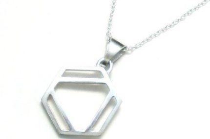 ベンゼン環のネックレスM