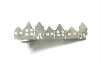 町並みのシルバーネクタイピン