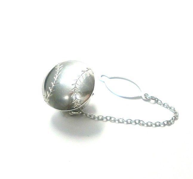 手作りシルバーアクセサリー/野球ボールのシルバータイタック・ラペルピン